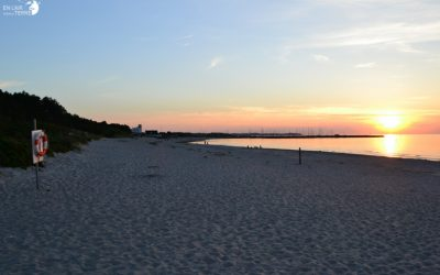 Longer la mer Baltique danoise et simplement s'y baigner